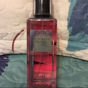 Victoria's secret Scandalous Dare body spray